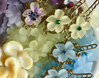 Vintage Pansy Flower Beads