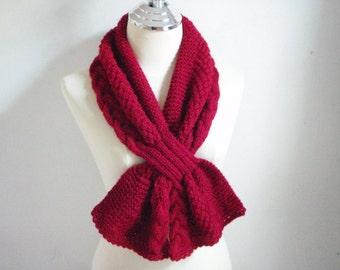 Knitting mini scarf