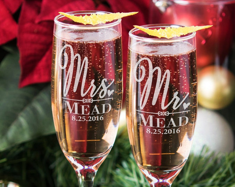b1ac58902f9 Custom Mr and Mrs Newly Married Champagne Glasses w/ Last Name Date Set of  2 Wedding Flutes Couples, Toasting, Anniversary, Engagement Gift