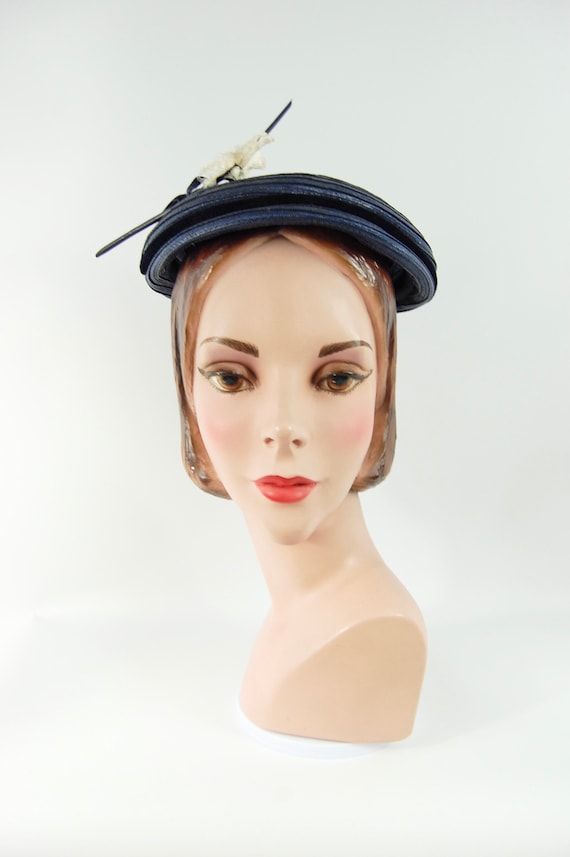 50s Small Brimmed navy Blue Straw Hat / Spring Su… - image 7