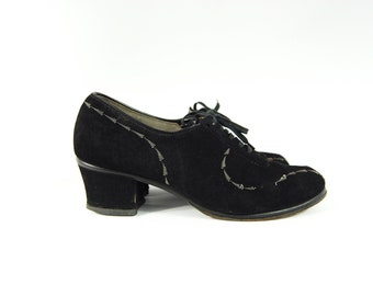 Early 40s Black Suede Oxfords / size 6 1/2 C / Art Deco Lace up Pumps 2 inch heels