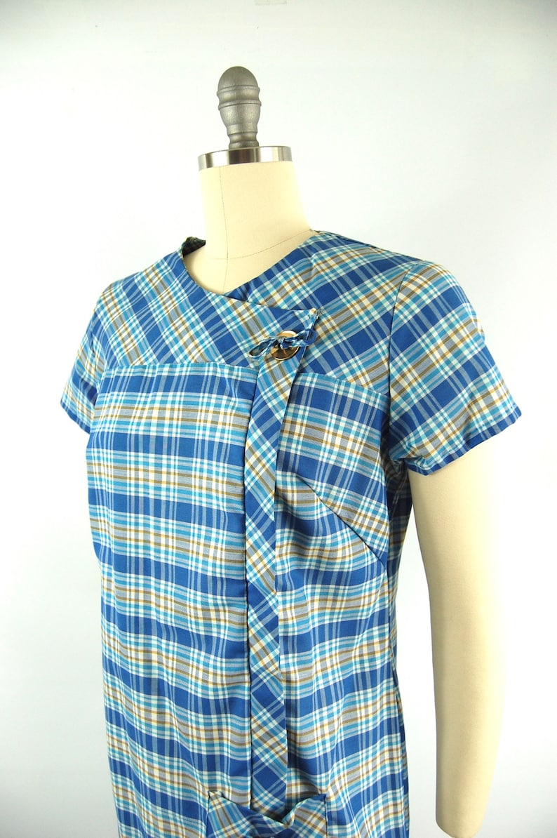 70s Zip Front House Dress Casual Lounge 60s 70s Plaid Day Dress  38 Bust  late 1960s Shift Dress Early 1970s  Blue White Brown Plaid
