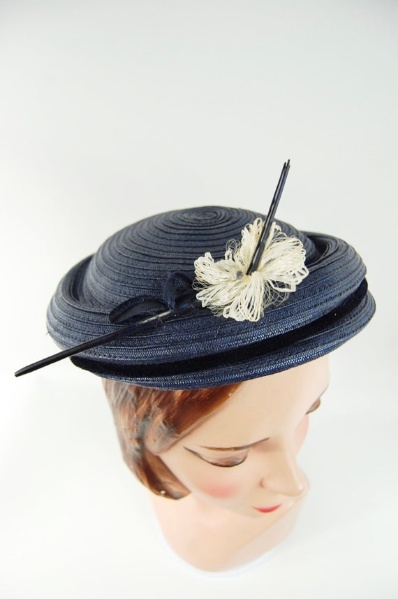 50s Small Brimmed navy Blue Straw Hat / Spring Su… - image 4