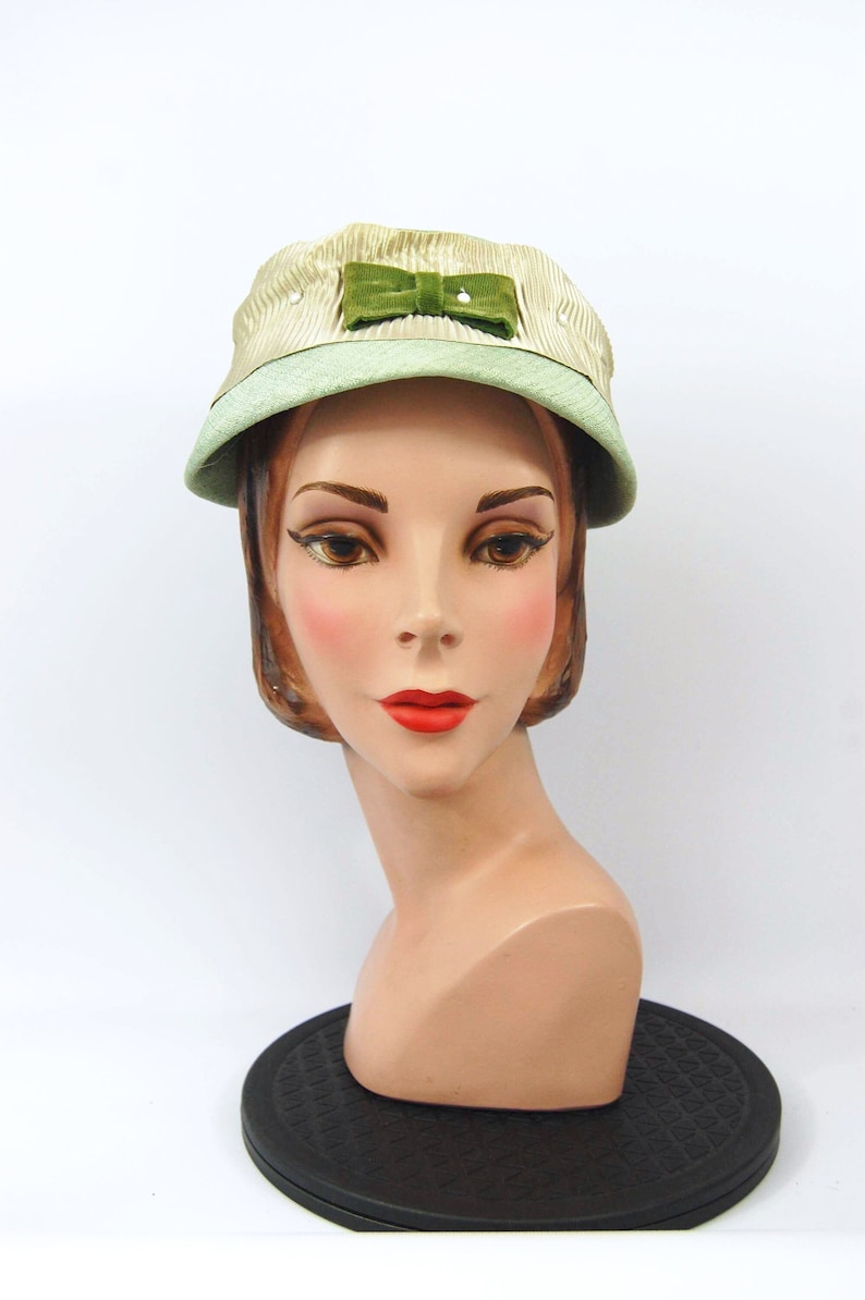 50s mint green hat - vintage 50s hat - Mid Late 50s Olive Green Sage Green  Bucket Hat Pillbox Pearl acents f2c940a5fcf
