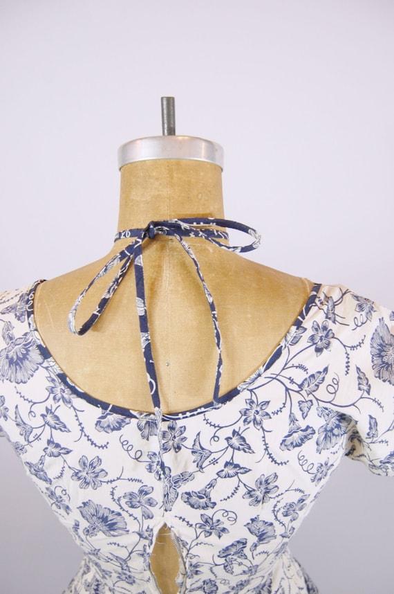 50s Bold Floral Cotton Dress / 24 Waist / Tea len… - image 3