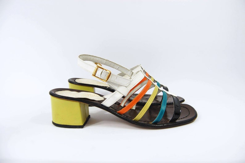d0d59288fd7 Early 70s Colorful Sandals   Size 8   Chunky Heels Strappy