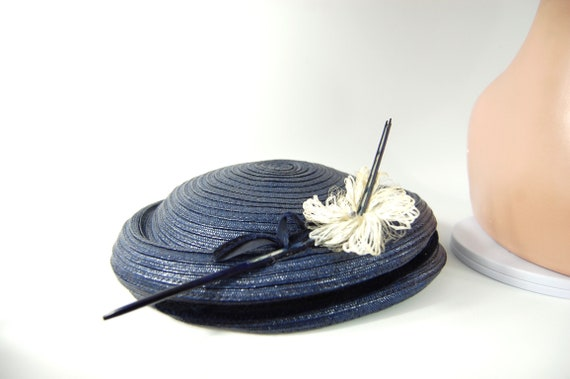 50s Small Brimmed navy Blue Straw Hat / Spring Su… - image 3