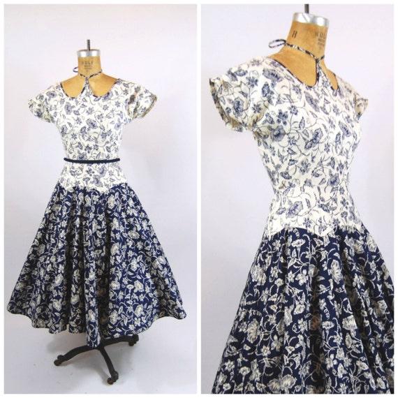 50s Bold Floral Cotton Dress / 24 Waist / Tea len… - image 1