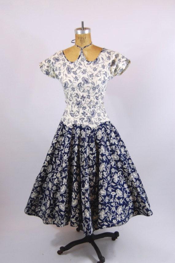 50s Bold Floral Cotton Dress / 24 Waist / Tea len… - image 5