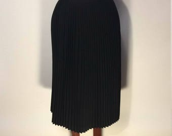 Vintage Evan Picone black wool Pleated Skirt Sz 6