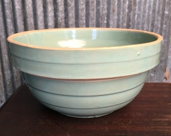 Vintage 1920's era Minty Green 9 inch Stoneware Mixing Bowl - Serving Bowl, Farmhouse Decor