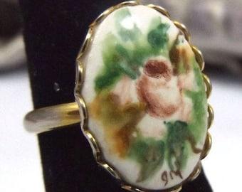 Vintage Floral Porcelain Gold Tone Ring. Adjustable.