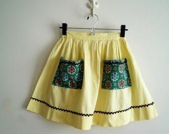 Vintage Yellow Cotton Rick Rack Apron Print Pocket, Ric Rac Apron, SALE