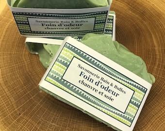 Savon avec argile et soie, sweetgrass, foin d'odeur handmade soap, savon fait main