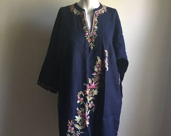 Vintage 70s Rare Bohemian Indian Tunic • Navy Blue Embroidered Thin Wool Tunic • Jumper Free Size