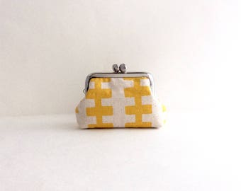 Yellow Lines Coin Purse Frame Mini Pouch Mini Jewelry Case with Ring Pillow
