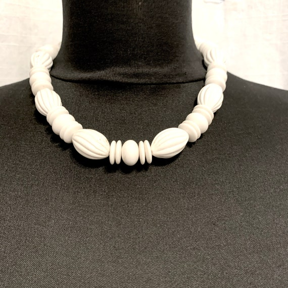 Vintage 1940s White Celluloid Choker Necklace