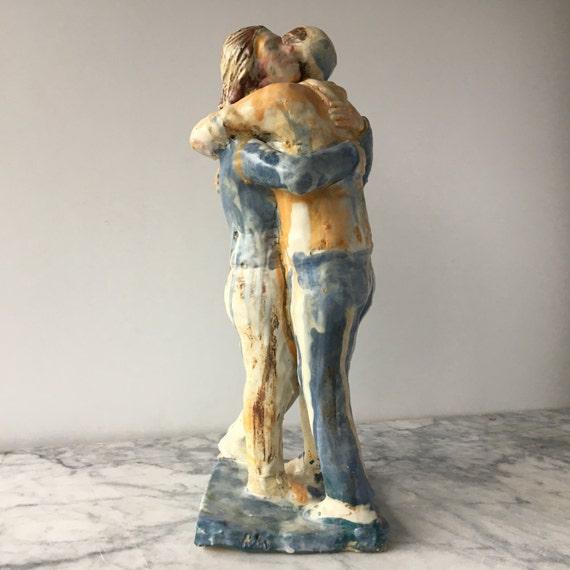 Ceramica Amici Di Figura Etsy Coppia Scultura Arte Abbraccio a68wqUx4