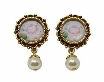 Women's Feminine Floral Ornate Pearl Drop Earrings