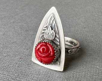 Red rose sterling silver shield ring size 7