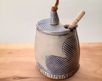 Ceramic Honey Pot with dipper
