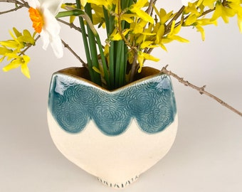 Large Decorative Ceramic Vase with Scalloped Detailing