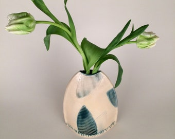 Modern Flower Vase with Abstract Leaf Pattern