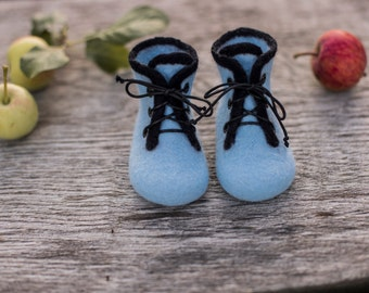 Baby boy shoes, infant felted merino wool boots, newborn gift, baby shower day