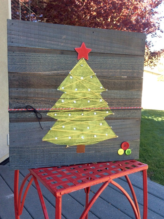 Wood Pallet Christmas Tree.Mini Wooden Pallet Christmas Light Up Tree With String Art