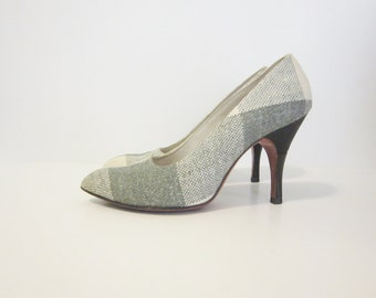 Shoes 6  Vintage 1960s De Liso Debs plaid pumps mad men  cut design heels