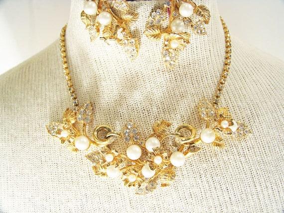 1960s Hattie Carnegie En Tremblant Necklace and Ea