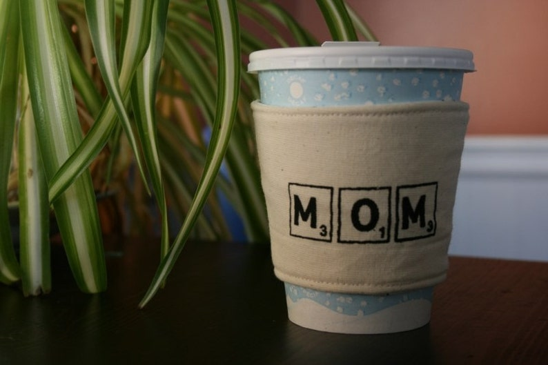 Game lover cup cozy for moms image 0