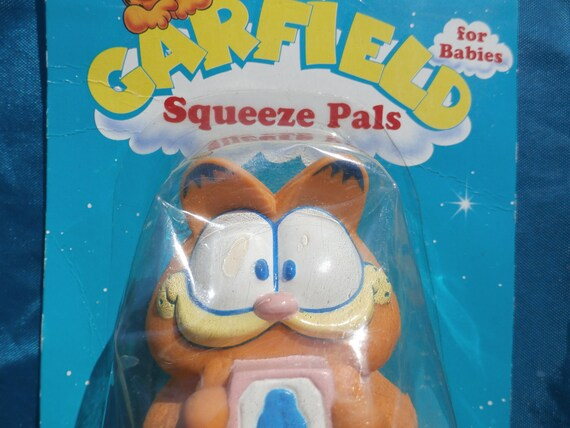 Vintage Garfield The Cat Squeeze Toy By Remco Baby Garfield Etsy