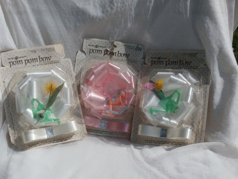 Vintage Pom Pom Bow with Watering Can and Flower Decoration Gift Topper