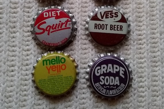 New Old Stock  Unused Mello Yellow  Bottle Caps Crafts /& More