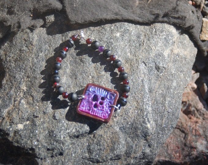 "Large Polymer Clay Black Agate and Garnet Paw Print Bracelet - ""Zotia's Print"""