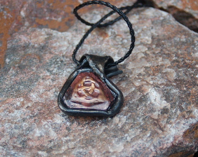 Celtic Knot Pendant - Triquetra Knot  Necklace - Unisex Endless Love Necklace
