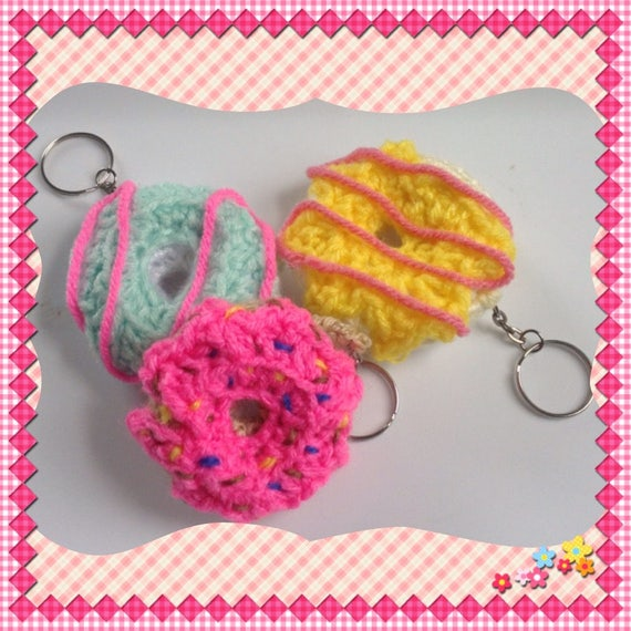 Crochet Donut Keychain   Free Pattern   Video Tutorial   570x570