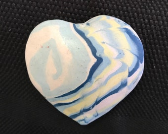 Feel uplifted with this lovely crafted clay heart, then shake it to enjoy the soft sound, makes a unique gift for friend or family, gift box