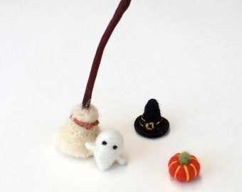 Halloween miniature witch hat, broom, needle felted pumpkin, ghost - dollhouse prop, Fall Autumn decor, wool, natural material
