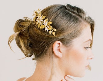 Long Star Flower Hair Comb - Hair clip,hairpin, back comb, Floral head piece, bridal flower comb, barrette, bridal flower comb, wedding comb