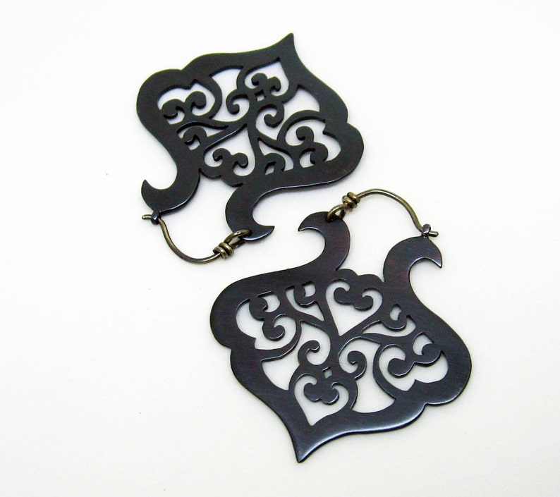 Black copper earrings with scrolling arabesque pattern image 0