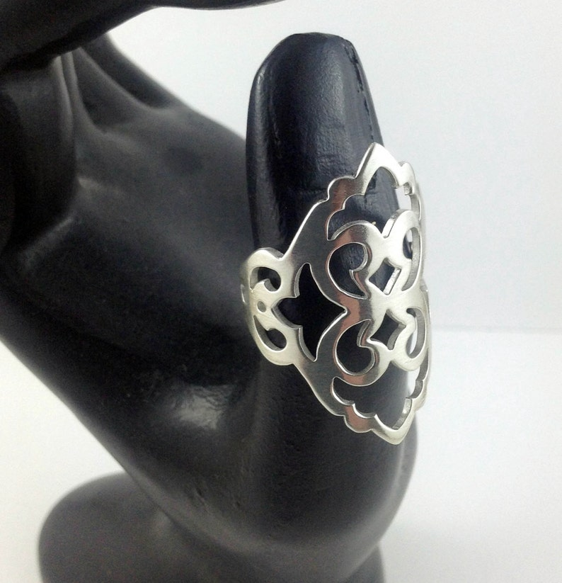Beautiful large damask patterned sterling silver ring for image 0