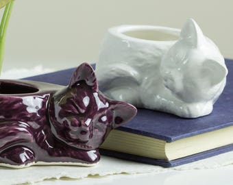 Modern planter, Eggplant purple Kitty planter, succulent planter, ceramic cat animal planter, Pottery, Minimalist Planter, Rustic Planter