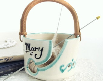 White ceramic Yarn Bowl, Any name, Mom, Large Personalized Pottery knitting Bowl, Wheel thrown Handle, blueroompottery MADE TO ORDER