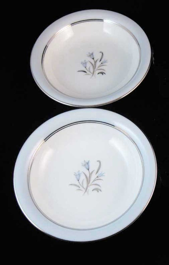 have more items to this set Noritake Bluebell DINNER PLATE 1 of 5 available