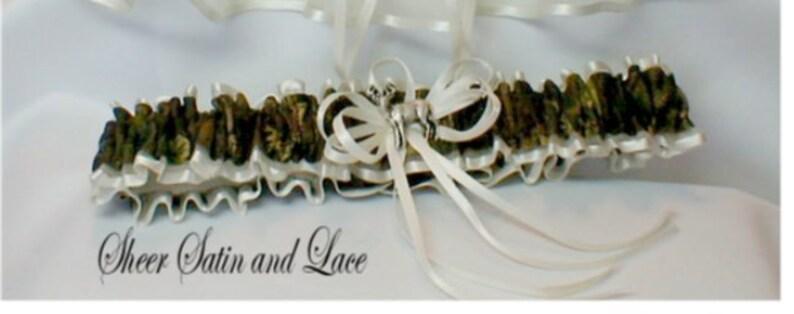 Toss Ivory CAMOUFLAGE wedding garters DEER Tree CAMO garter