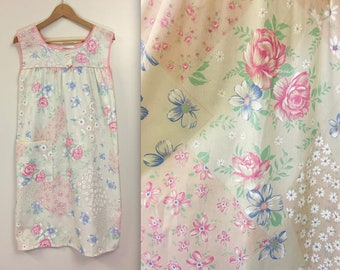 Vintage 1970s Floral Patchwork House Coat -  Duster - Nightgown - Small