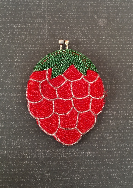 Vintage 1950s 60s Beaded Berry Coin Purse Novelty