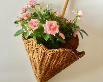 A Tisket a Tasket a Vintage Wicker Umbrella Basket, Wedding or Baby Shower Decoration, Vintage Door Decoration